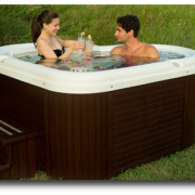 Damour-web-Nordic-Hot-Tub-Toasting-400×268